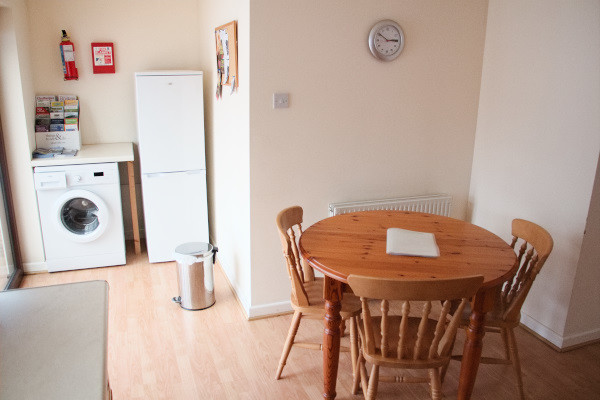 Long Acres holiday cottage dining area