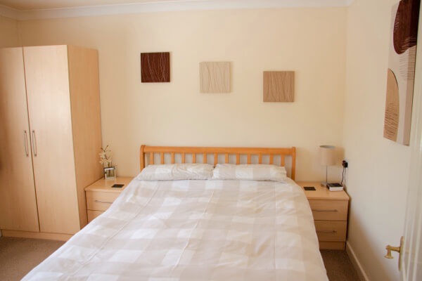 Long Acres holiday cottage main bedroom