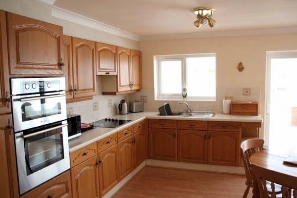 Long Acres holiday cottage kitchen